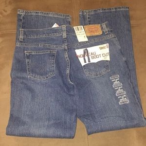 NWT Women's Levi Jeans 515