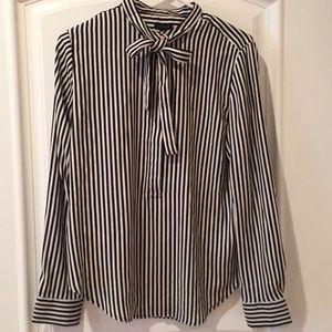 Ann Taylor long sleeve half  button blouse 👚