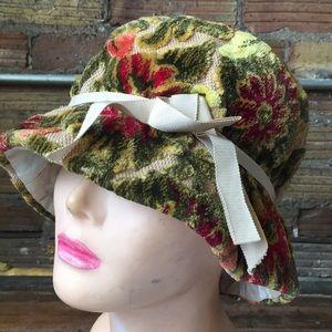 Vtg 60s Velvet appliqué bucket hat