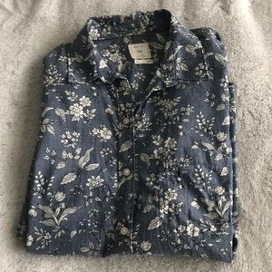 GAP Chambray Flower Buttonup