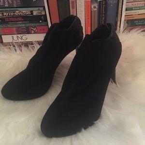 Nine West black high heels NEVER WORN