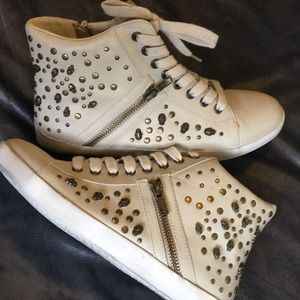 High Top Ankle Sneakers With Bronze Skull Studs