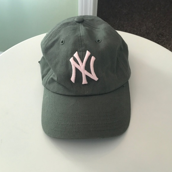 6744239e0bbe6  47 Twins Accessories - New York Yankees Hat! Green Hat with Pink Logo