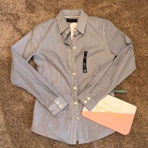 NWT Banana Republic Non-Iron Blouse.