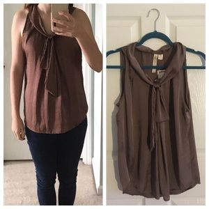 NWT Brown tie in the front tank