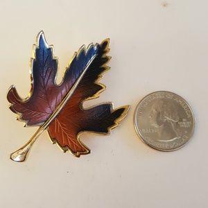 Vintage Maple Leaf Fall Brooch Gold Tone Med