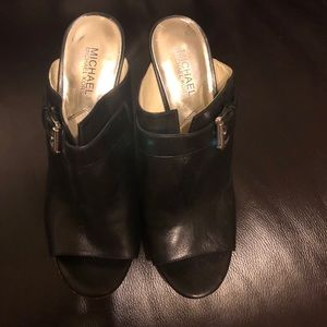 Michael Michael Kors Black leather heel/mules 9