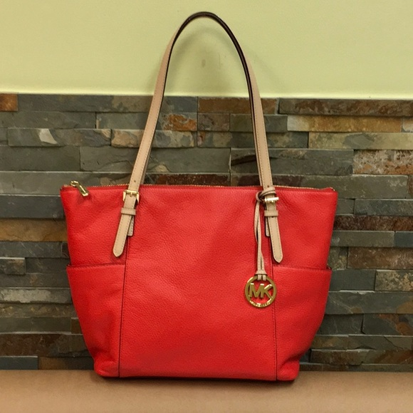 10ee6ae0cdfe34 Michael Kors Jet Set East West Zip Top Tote - Red.  M_5a15e87b9c6fcf45200415f1
