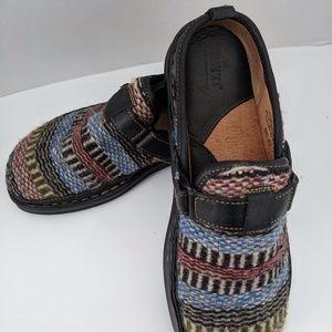 BORN Shouthweat Wool  & Leather Clog  Mules
