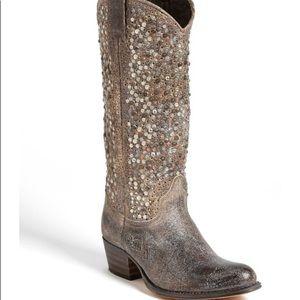 NWOB Frye Deorah studded boot