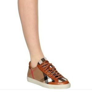 Burberry 'Heartfields' House Check Sneakers
