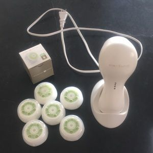 Clarisonic 2-speed with replacement brushes
