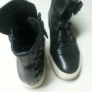 Staccato Black leather high tops