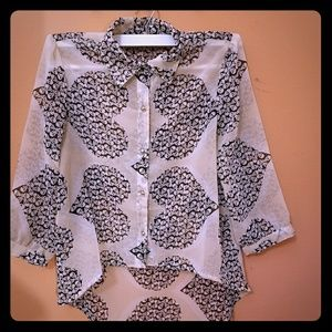 Tops - Skull and heart print button down blouse