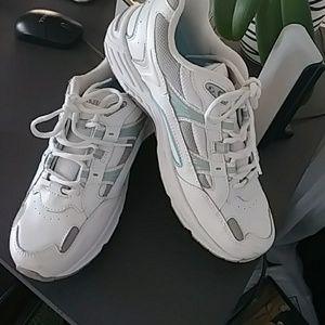 Vionic brand new Sneakers
