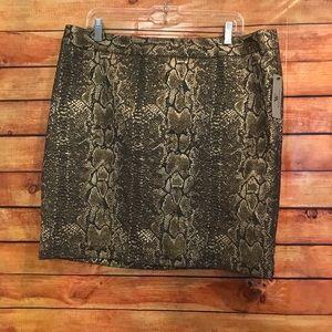 NWT Worthington Snakeskin Shimmer Skirt Size 14