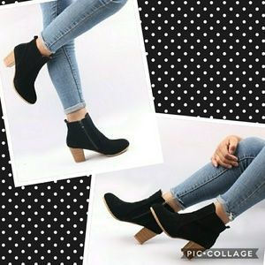 """Shoes - 🔥SALE🔥""""Amber"""" black ankle booties"""