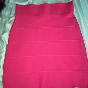 Body con BCBG hot pink skirt