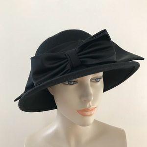 Vintage Miss Bierner Wool Hat w/Ribbon Netting