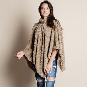 DYLAN Softest Poncho - TAUPE