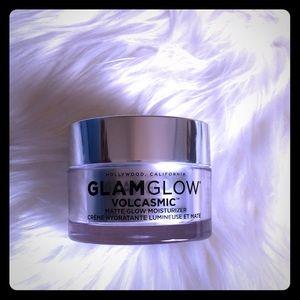 GlamGlow Volcasmic matte glow moisturizer 1.7oz