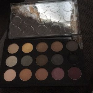 MAC Mellow moderns palette. Lightly used.