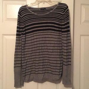 Gap - black and grey striped sweater