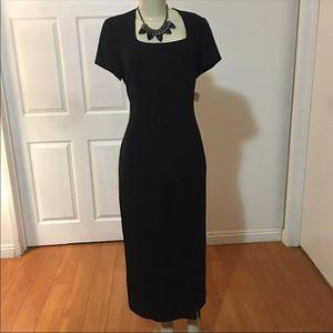 Vintage form fitting Dress