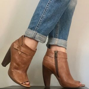 STEVE MADDEN Brown Booties