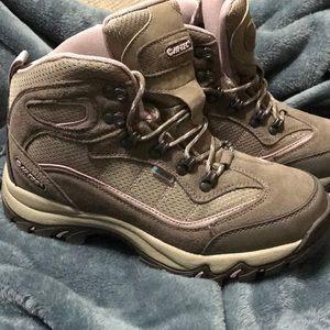 Hi-Tec WOMEN's hiking boots!