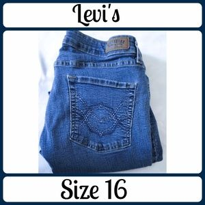 Sz 16 Levi's Jeans, Boot cut