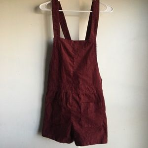 Dark maroon shorts overalls from H&M