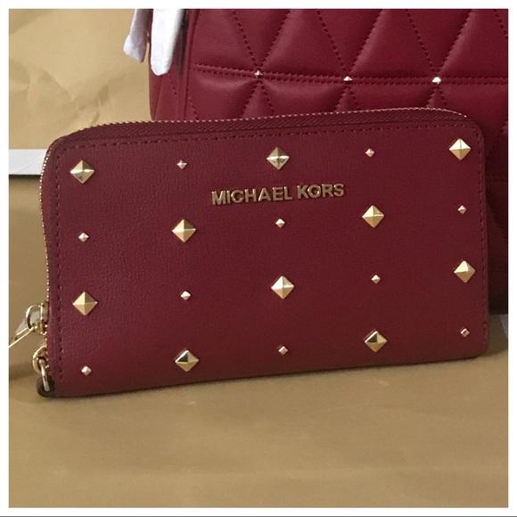 7718f24d0bc157 Michael Kors Bags | Nwt Mk Jet Set Large Phone Case Wristlet Wallet ...