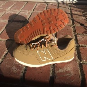 NWT New Balance 574 tan/brown linseed shoes