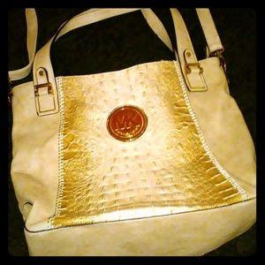 SALE!! Michael Kors shoulder bag