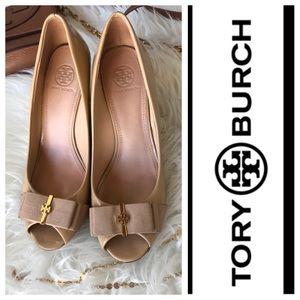 🌻Tory Burch Trudy patent leather logo bow Sz 8🌻