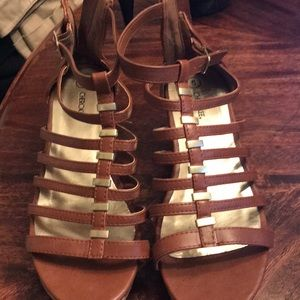 Wedge Sandals size 5Y (girls) fit size 7 women's