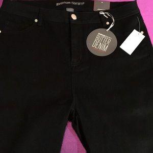 Pants - Bermuda shorts