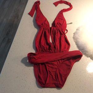 women's medium vs swimsuit