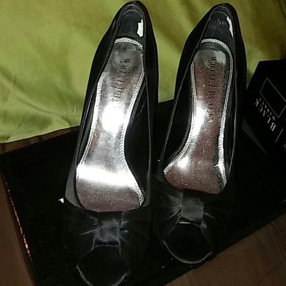 7f2788ed019a Sz 9.5 White house Black Market Ray stiletto heels