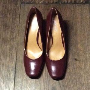 "Nine West 3"" heels burgundy patent"