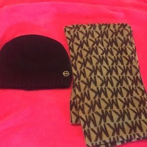 Michael kors SALE Beanie and scarf