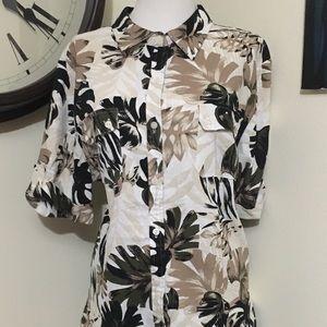 Hawaiian / Floral Button Down Top