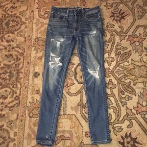 American eagle high rise ripped light wash jeans