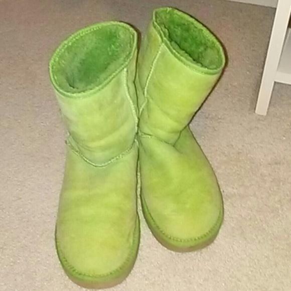 58c7d7ca36e Uggs boots size 8 short classic chartreuse color