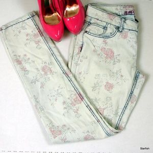 Almost Famous rose skinny jeans