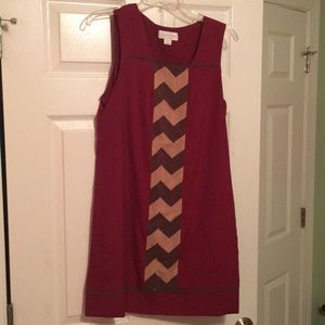 Jessica Simpson - burgundy dress