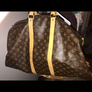 Authentic Louis Vuitton monogram large keep all.