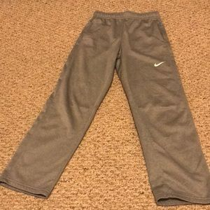 Nike kids Unisex THERMA-FIT Grey sweatpants
