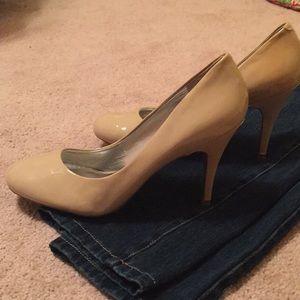 Jessica Simpson heels size 9.5